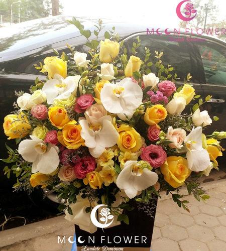 giỏ hoa mừng sinh nhật tại hà nội mầu vàng
