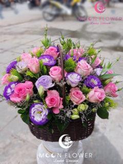 giỏ hoa tặng sinh nhật hồng sen cát tường tím