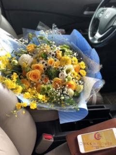 Bó hoa tông màu vàng