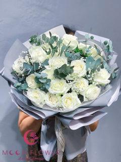 Bó hoa chúc mừng ngày 20/10 hồng trắng - Tôn Vinh