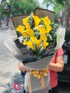 Bó hoa rum vàng - Tình cảm tôn kính