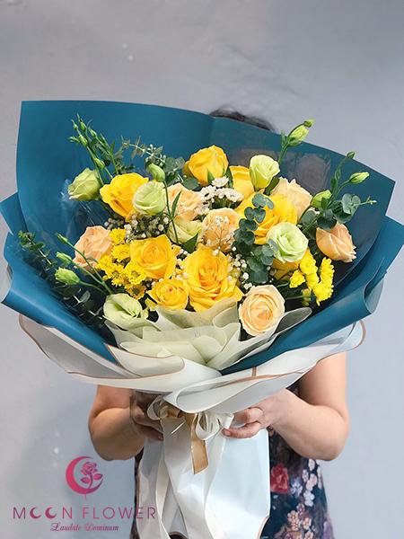Bó hoa tặng 20 tháng 10 hồng vàng - Phát Tài