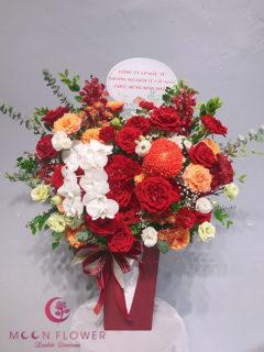 Giỏ hoa hồng đỏ cam - Kiêu Kì