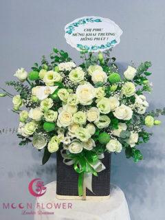 Giỏ hoa chúc mừng ngày 20/10 Hồng Trắng - Trang Nhã