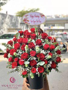 Giỏ hoa sinh nhật hồng đỏ - Tình yêu đam mê