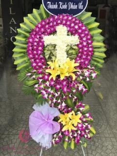Vòng hoa hình thánh giá - Sự Sống Mới