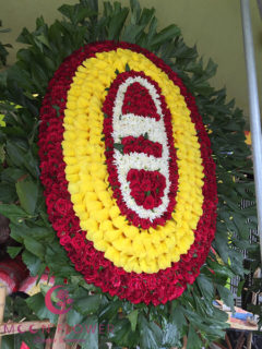 Vòng hoa tươi truyền thống - Ngàn Thu